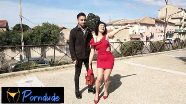 Azylis Seals Her Relationship With J&m Sauce! - Jacquie Et Michel TV - Azylis