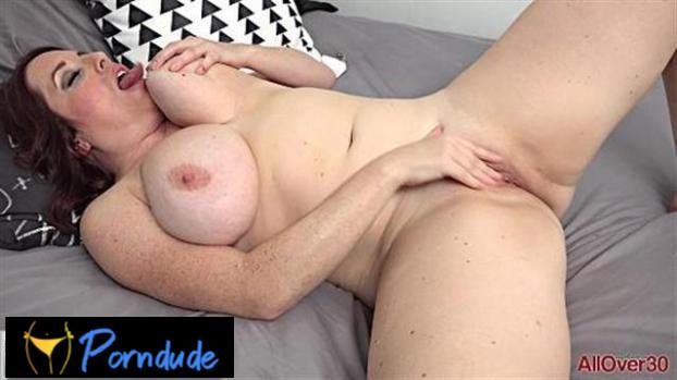 Maggie Green Mature Pleasure - All Over 30 - Maggie Green
