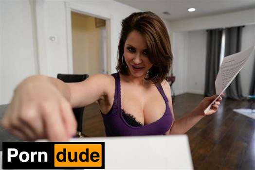 Read Between The Lines - Mommy Blows Best - Emily Addison