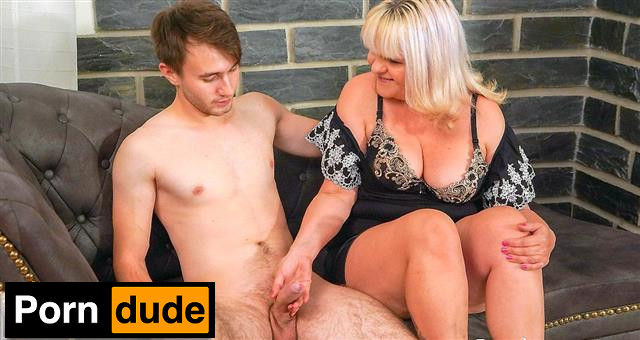 Fucking Her Toyboy - Grand Mams - Monique