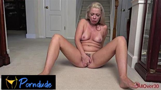 Beth Mature Pleasure - All Over 30 - Beth