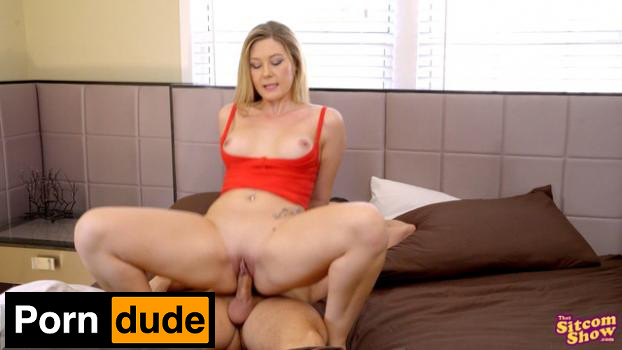 That Sitcom Show – married with issues kelly cant cum - That Sitcom Show - married with issues kelly cant cum