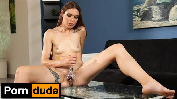 White And Wet - Wet And Pissy - Jessica Bell
